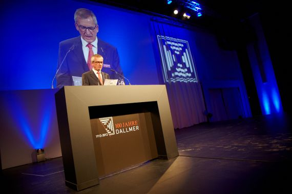"Johannes Dallmer speaks at the anniversary celebration ""100 years of Dallmer""."
